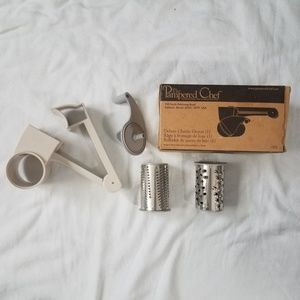 New Pampered Chef Deluxe Cheese Grater #1275